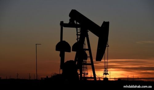 النفط ينزل في ظل سلالة جديدة من كورونا