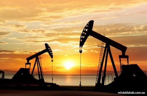 تعاملات الأربعاء.. النفط يرتفع وبرنت عند 54.09 دولار للبرميل