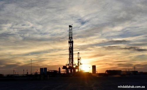النفط يرتفع مع استمرار التركيز على قيود الإمدادات