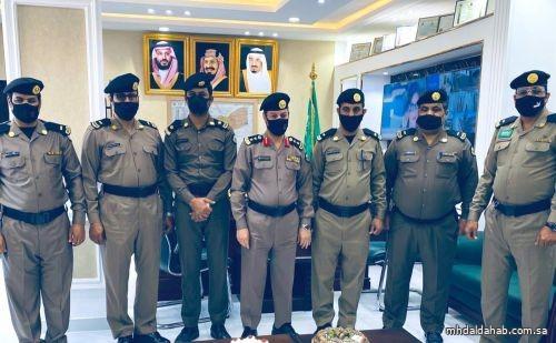 سعادة مدير شرطة محافظة المهد يقلد ٤ أفراد رتبهم الجديدة 