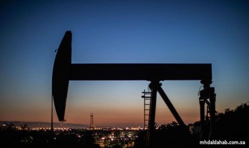 أسعار النفط ترتفع بفضل بيانات صينية قوية وانخفاض المخزونات الأمريكية