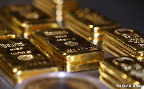 الذهب يهبط مع ارتفاع العوائد
