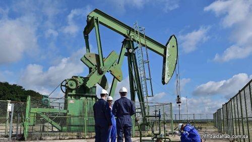 أسعار النفط ترتفع بعد بيانات عن تراجع المخزونات الأميركية