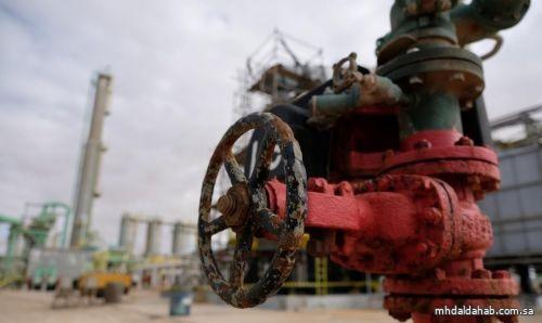 النفط يرتفع لأعلى مستوى في 13 شهراً