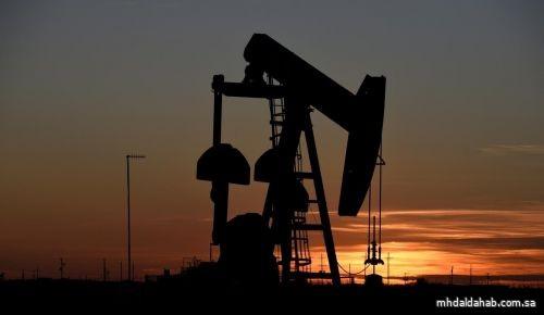 النفط ينزل لليوم الخامس على التوالي بعد ارتفاع المخزونات الأمريكية