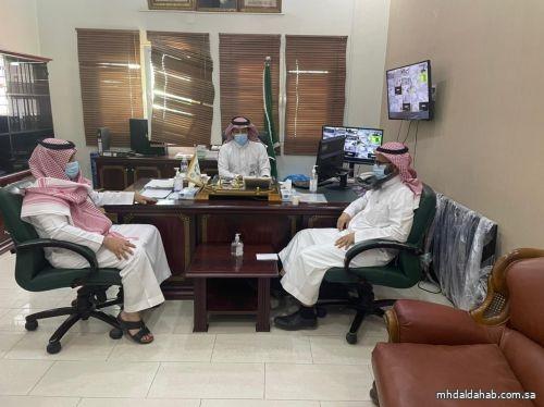 مدير القطاع الصحي بالمهد يستقبل في مكتبه مدير التعليم بالمحافظة
