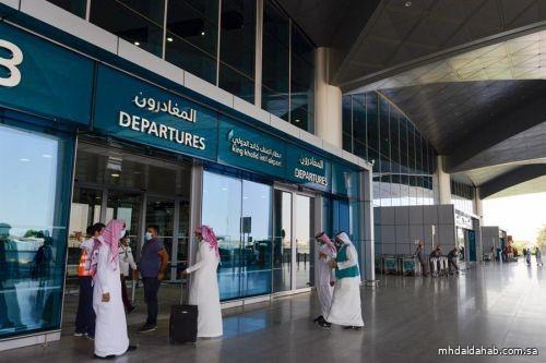 بعد ساعات.. مطار الملك خالد الدولي في الرياض يشهد تحليق 225 رحلة دولية