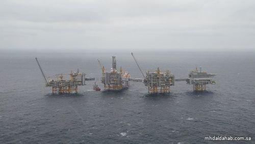 أسعار النفط تتحرك في نطاق محدود.. وقيود كورونا تؤثر على المعنويات