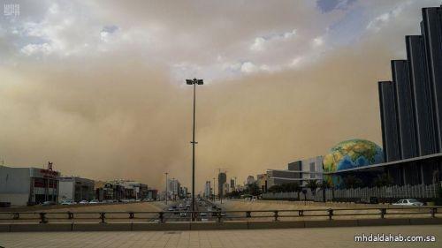 """""""الأرصاد"""" ينبه من أمطار رعدية على بعض المناطق .. ورياح نشطة وأتربة مثارة في أخرى"""