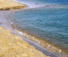 نواب: انكسارات أجزاء من شاطئ ينبع بسبب الأمواج