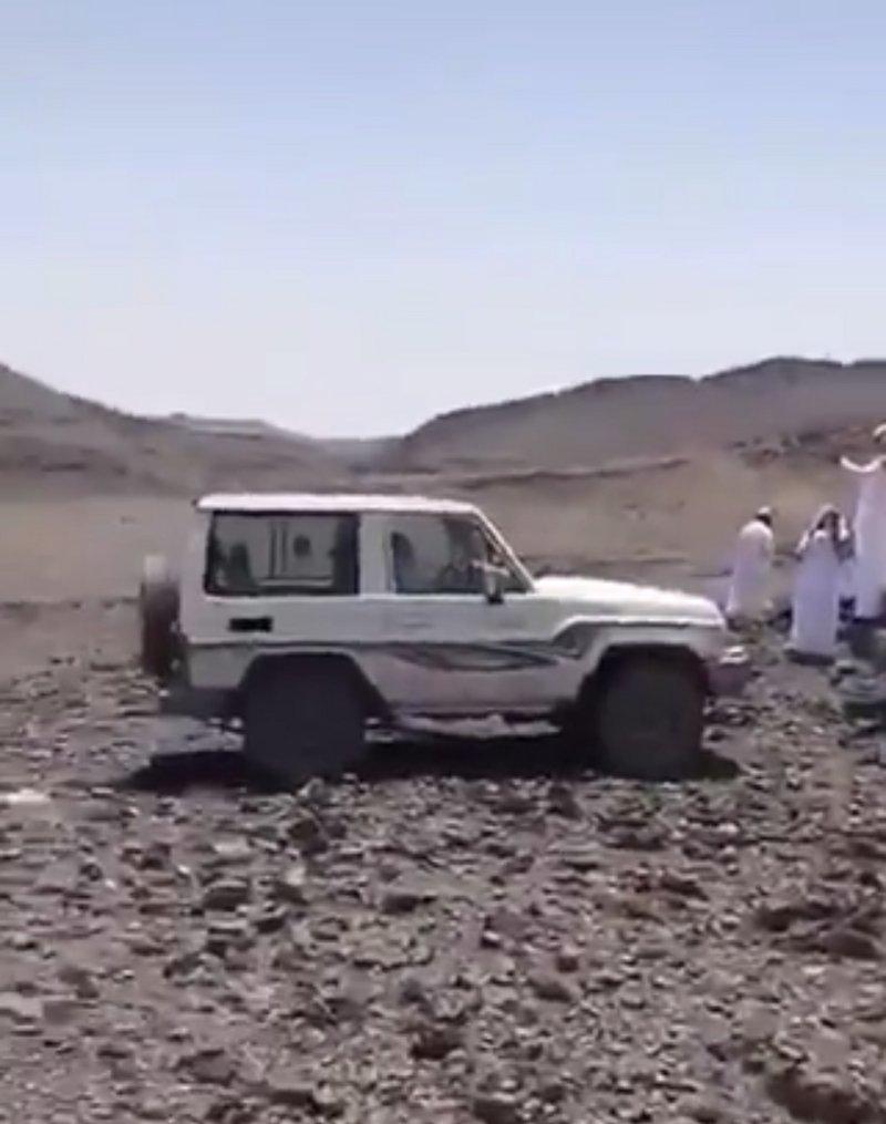 """بعد 7 أيام من البحث .. العثور على جُثة مفقود """"الحوية"""" في الصحراء"""