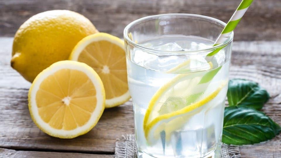 7 فوائد في تناول مشروب الليمون قبل الإفطار.. تعرف عليها