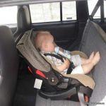 """""""المرور"""" يوصي بـ 6 إجراءات لتعزيز سلامة الأطفال داخل المركبة"""